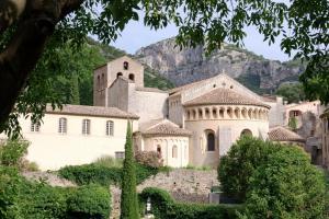 Visite guidée Abbaye de Gellone à Saint-Guilhem-le-Désert ©Benoit Piquart OTI SGVH
