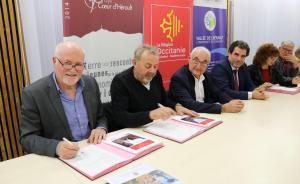 Signature Contrat Bourgs Centre CCVH